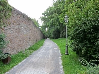 View north along the city wall from the Dingolshäuser Gate image. Click for full size.