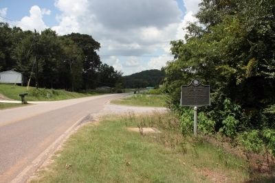 Fayetteville Marker Westbound View image. Click for full size.