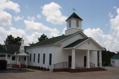 Fayetteville United Methodist Church image. Click for full size.