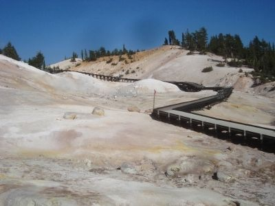 Bumpass Hell image. Click for full size.