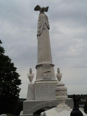Grave of Andrew Johnson image. Click for full size.