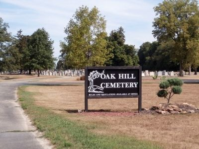 "Sign - - "" Oak Hill Cemetery "" image. Click for full size."