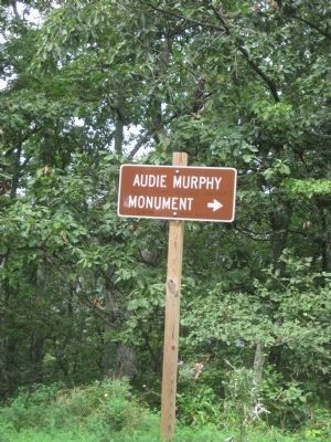 Two miles in, another directional sign for the Audie Murphy Monument image. Click for full size.