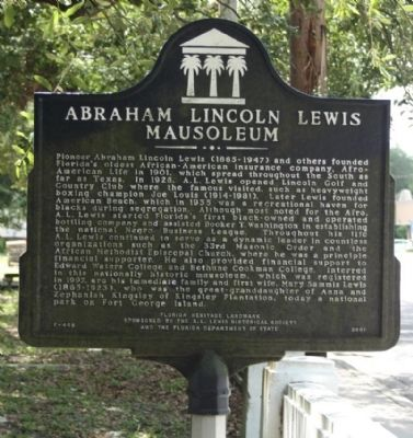 Abraham Lincoln Lewis Mausoleum Marker image. Click for full size.