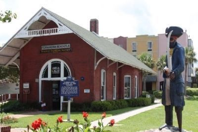 Florida's First Atlantic to Gulf Railroad Marker, old station and tourist center, 102 Centre Street image. Click for full size.
