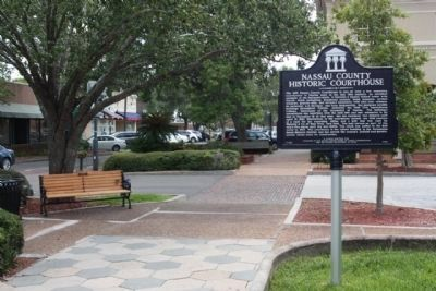 Nassau County Historic Courthouse Marker, looking east, Centre and S 5th Street image. Click for full size.