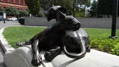 Close-up of lion cub sculpture at the National Law Enforcement Officers Memorial image. Click for full size.