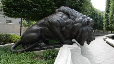 National Law Enforcement Officers Memorial Lion image. Click for full size.