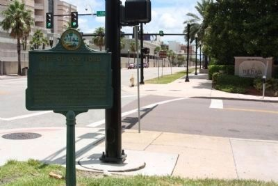 Site of Cow Ford Marker looking east along E Bay Street at S Liberty Street image. Click for full size.