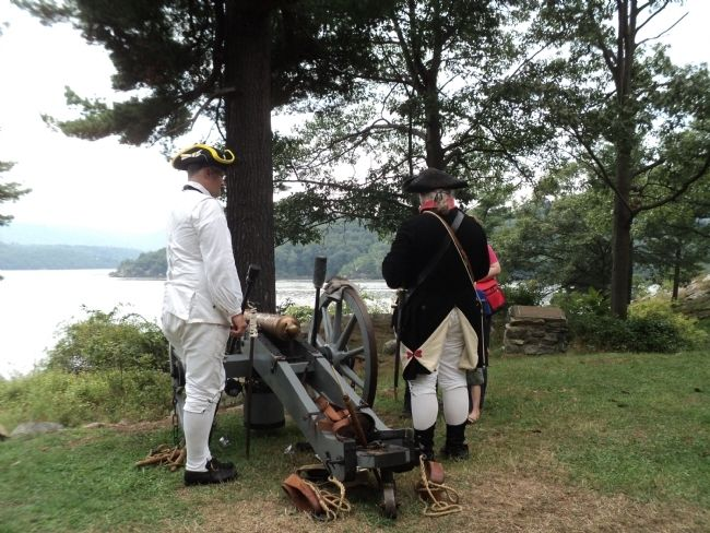 Reenactors in Marine Battery image. Click for full size.