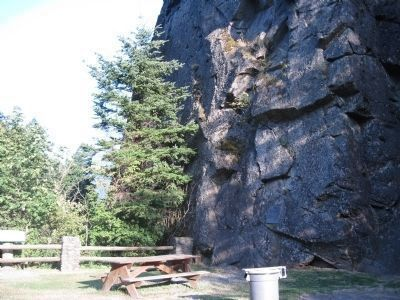 Beacon Rock image. Click for full size.