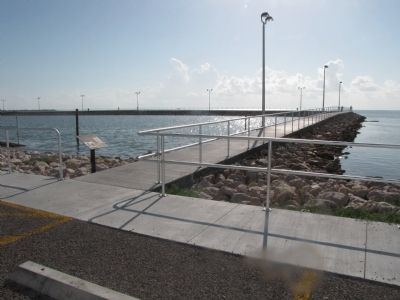 Entrance to Jetty - Marker is on left of entrance image. Click for full size.