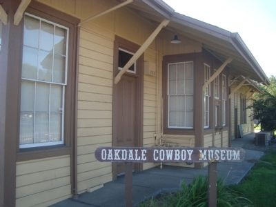 Oakdale Railroad Depot image. Click for full size.