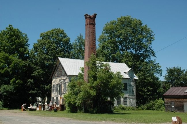 The Hubbell Memorial Chimney image. Click for full size.