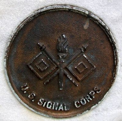 World War Memorial Signal Corps Medallion image. Click for full size.