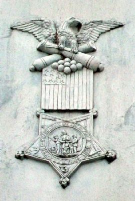 Civil and Spanish-American Wars Memorial G.A.R. Symbol image. Click for full size.