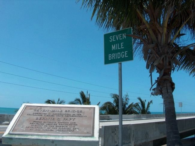 Seven-Mile Bridge Sign image. Click for full size.