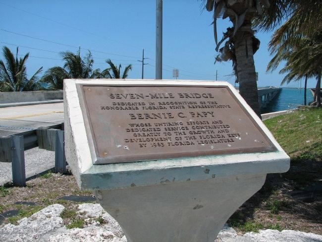 Seven-Mile Bridge Dedication Placard image. Click for full size.