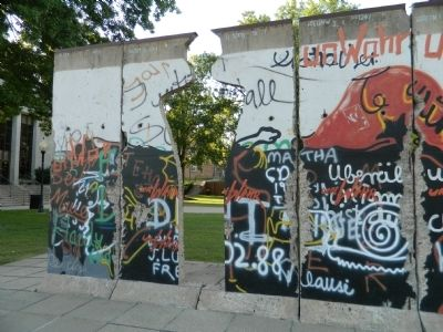 Sections of the Berlin Wall image. Click for full size.