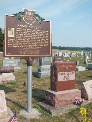 Annie Oakley Gravesite image. Click for full size.