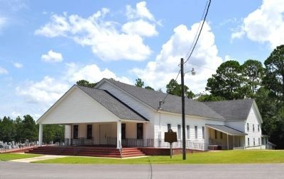 Cedar Creek Primitive Baptist Church and Marker image. Click for full size.