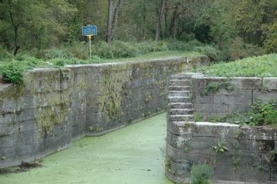 Lock 19 & Marker image. Click for full size.