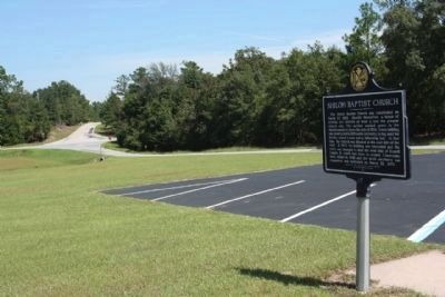 The Shiloh Baptist Church Marker, just off US 80 , seen in background, along County Road 21 image. Click for full size.