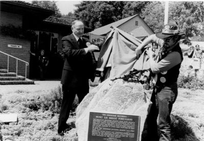 Wine Maker, Brother Timothy and Humbug Loren Wilson unveil plaque at original dedication. image. Click for full size.