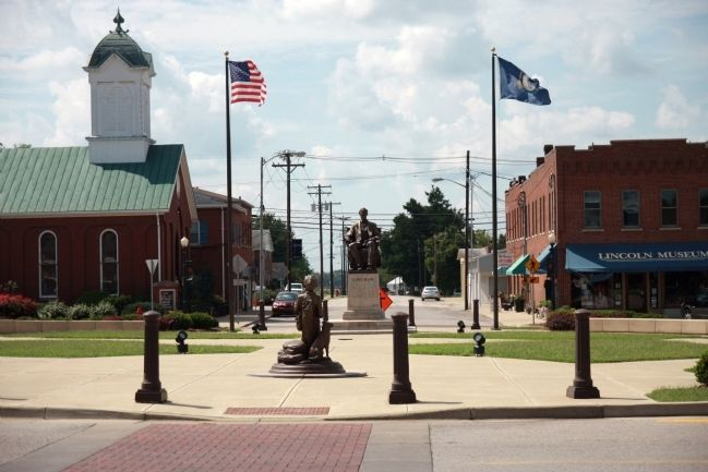 Lincoln Square - - Hodgenville, Kentucky image. Click for full size.