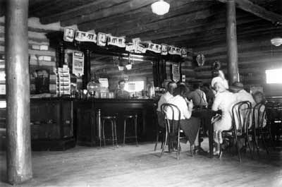 Interior of Lincoln Tavern image. Click for full size.