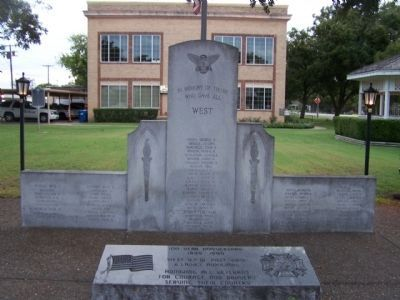 West Marker (L), City Hall and Veterans Memorial image. Click for full size.