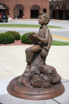 Statue - - Abraham Lincoln - As - A - Boy image. Click for full size.