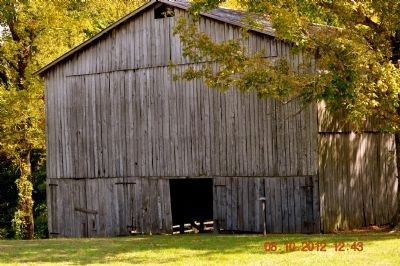 Old Barn on the Trace Marker full of drying tobacco image. Click for full size.