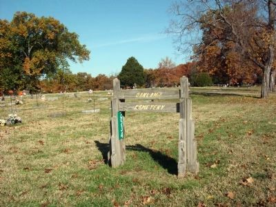 Sign - - Oakland Cemetery image. Click for full size.