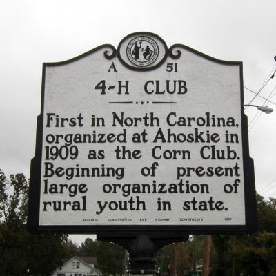 4-H Club Marker image. Click for full size.