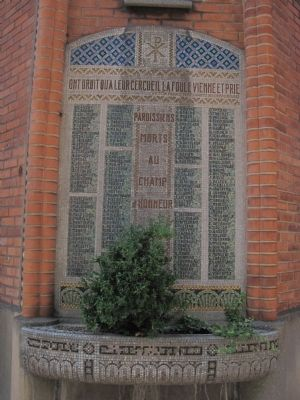 Memorial to the Dead of WWI on the wall of Eglise Saint-Jean-l'Evangéliste image. Click for full size.