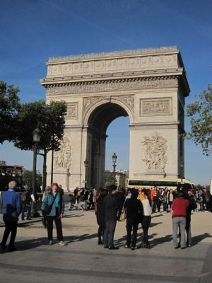 The Arc d'Triomphe in Place de Charles de Gaulle image. Click for full size.