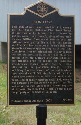 Hearn's Pond Marker image. Click for full size.