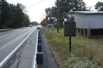 Hearn's Pond Marker, looking south along Bridgeville Highway image. Click for full size.