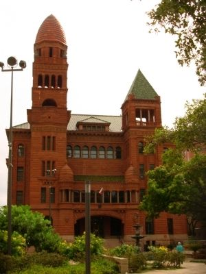 Bexar County Courthouse image. Click for full size.