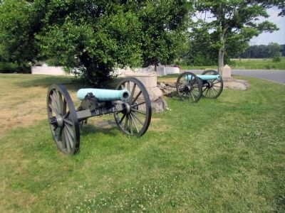 Ninth Massachusetts Battery Marker & 2 12-Pounder Napoleon Guns image. Click for full size.