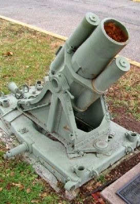 German Mortar near War Memorial image. Click for full size.