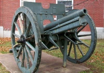 German WWI Cannon near War Memorial image. Click for full size.