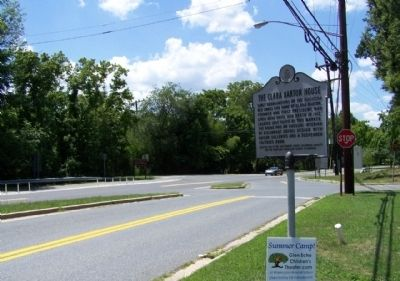 The Clara Barton House Marker, seen at MacArthur Boulevard and Goldsboro Road image. Click for full size.