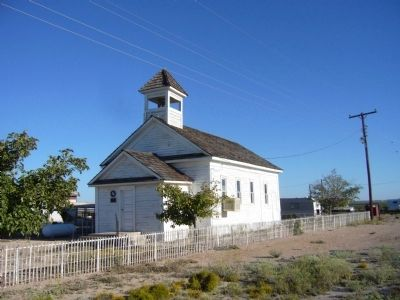 Mentone Community Church image. Click for full size.