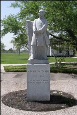 Dr. Ashbel Smith Statue image. Click for full size.