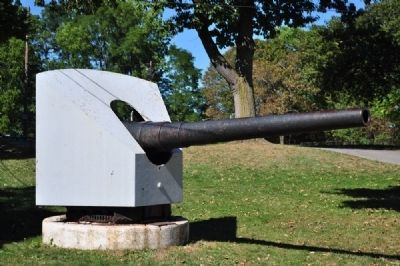 Spanish-American War cannon from Spanish ship 'Almirante Oquendo' image. Click for full size.