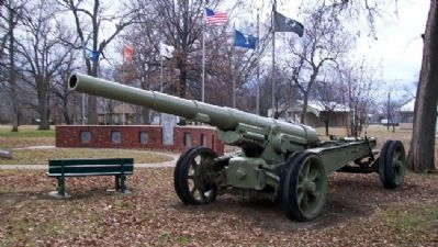 Veterans Memorial Cannon image. Click for full size.