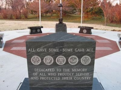 Veterans Memorial Stone image. Click for full size.