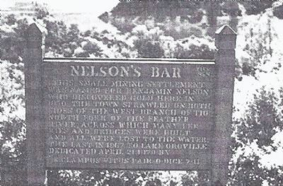 An earlier Nelson's Bar marker erected by the E Clampus Vitus Pair-O-Dice Chapter image. Click for full size.